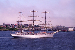 jul2000-tallshipfromburroughs