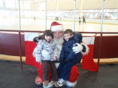 Santa Poses With Kids at Steriti Rink (Photo by Lori Demarco Toscano)