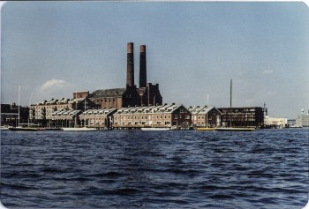 Lincoln Wharf (with power stacks) and Union Wharf - 1979 - Photo by Diana Blum Manter