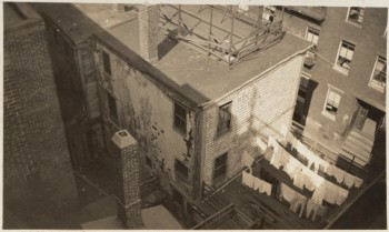 Obsolete and unused houses in the North End. Corner Hanover and Tileston Streets 1932 (Courtesy of Boston Public Library)