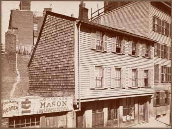 Revere House, 19 and 20 North Square. Originally had three windows across front. Built 1677 (Courtesy of Boston Public Library)