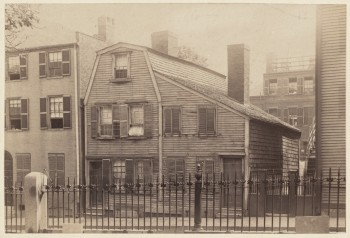 Hartt House, Hull St. Built in 1774 - Photo in 1892? (Courtesy of Boston Public Library)