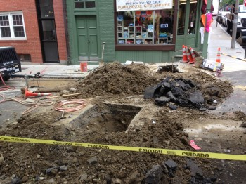 Digging up Salem St by Steve Ayres