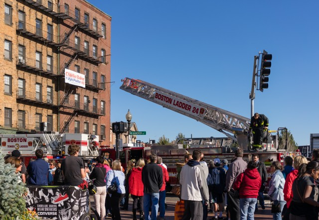 Fire alarm on Hanover Street - October 2014-51
