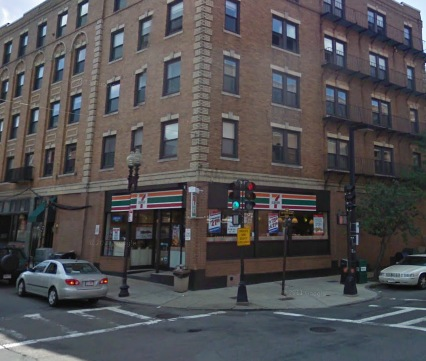 7-Eleven at 464 Hanover St with existing signage to be replaced.
