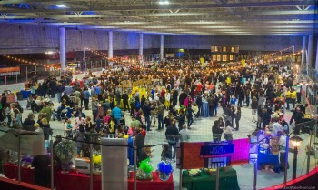 Record crowd gathers at Steriti Rink (sans ice) for 2015 Taste of the North End (Photo by Matt Conti)