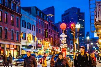 Jigsaw Picture Puzzle: Holiday Rush on Hanover Street
