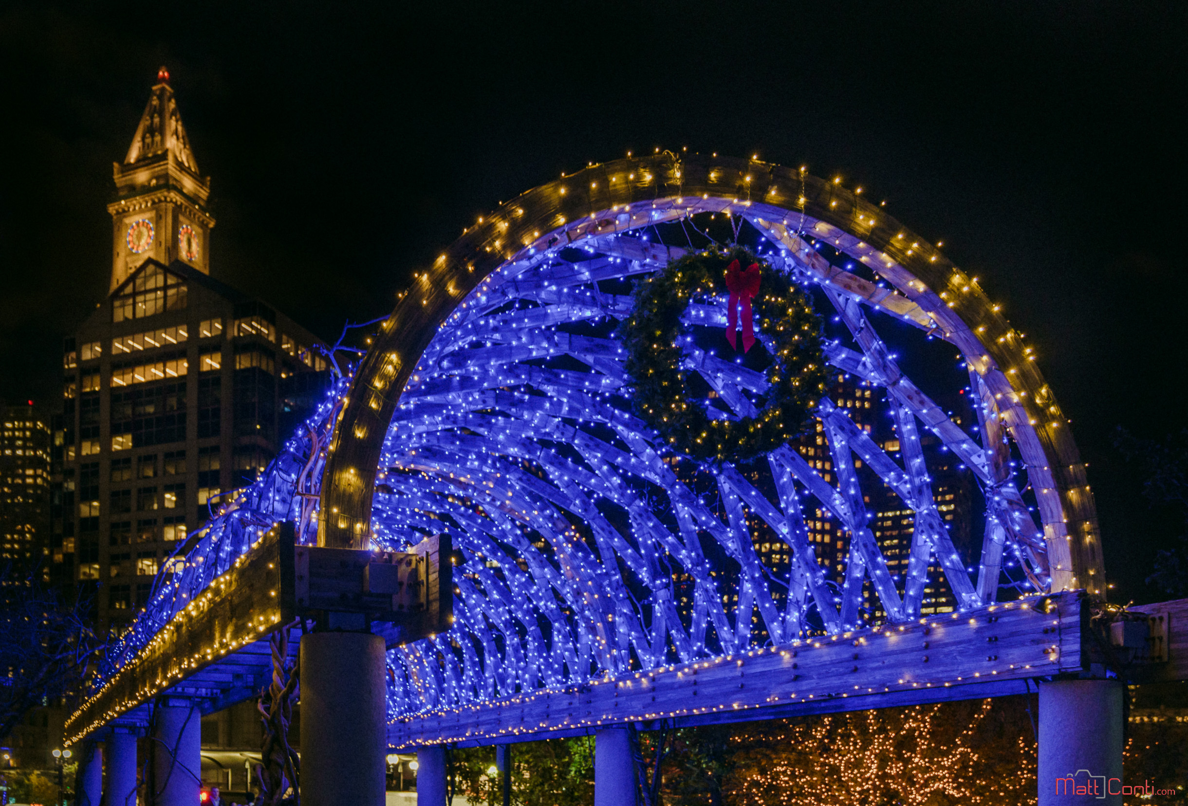 holiday trellis lighting draws thousands to columbus park on
